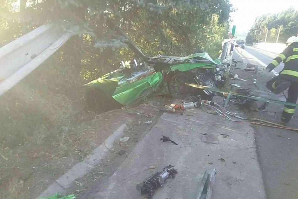 V OBRAZOCH: Pri dopravnej nehode v Dolnom Kubíne sa zranili dve osoby