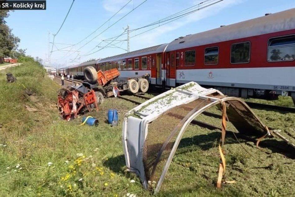 Rýchlik z Košíc do Bratislavy sa zrazil s nákladným autom