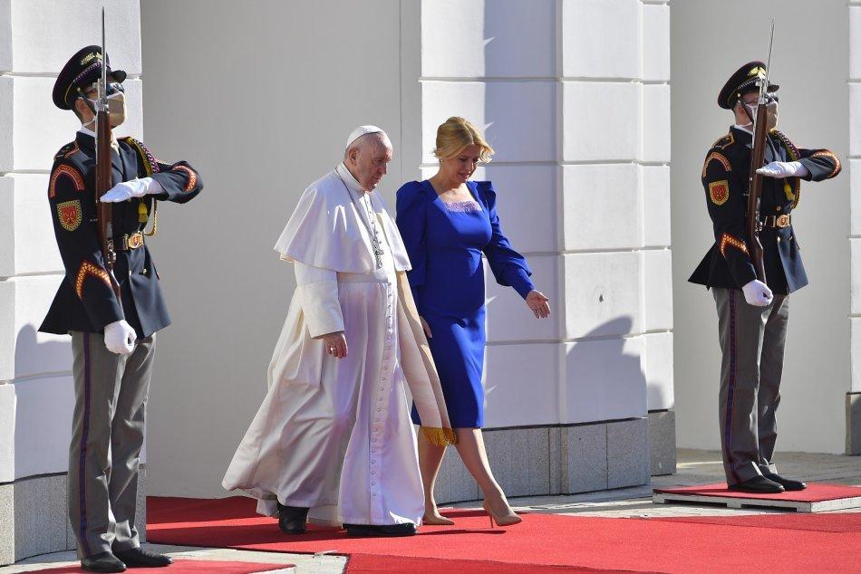 Prezidentka sa stretla s pápežom Františkom v Prezidentskom paláci