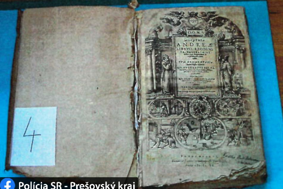 Alchymistická kniha ich natoľko očarila, že spravili kópiu a originál si nechali