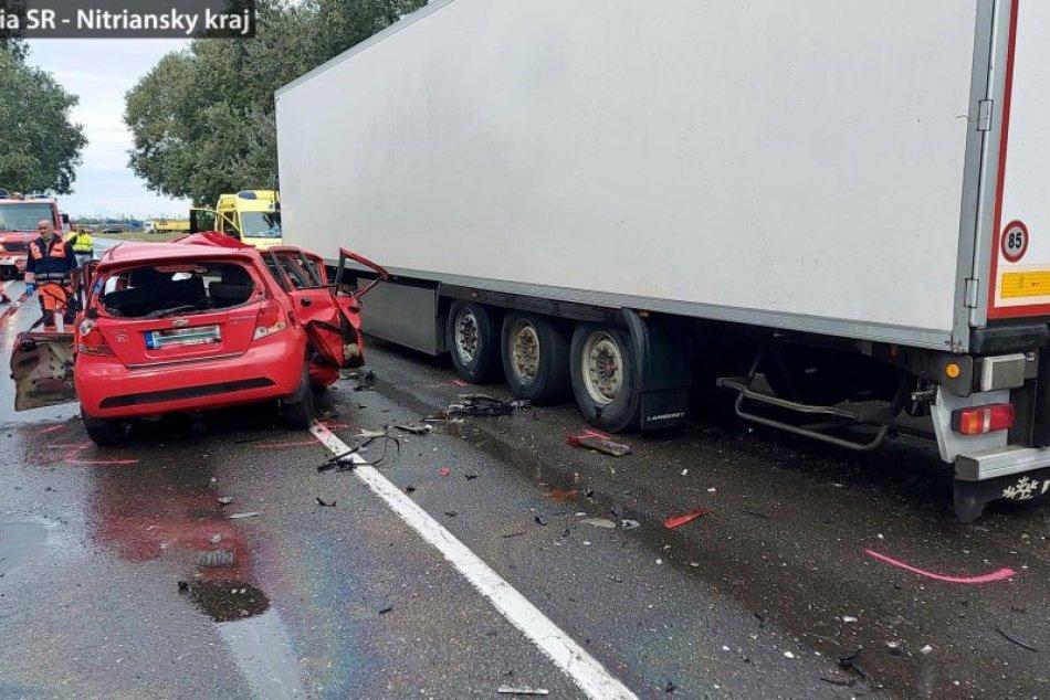 Pri dopravnej nehode vyhasol život policajta