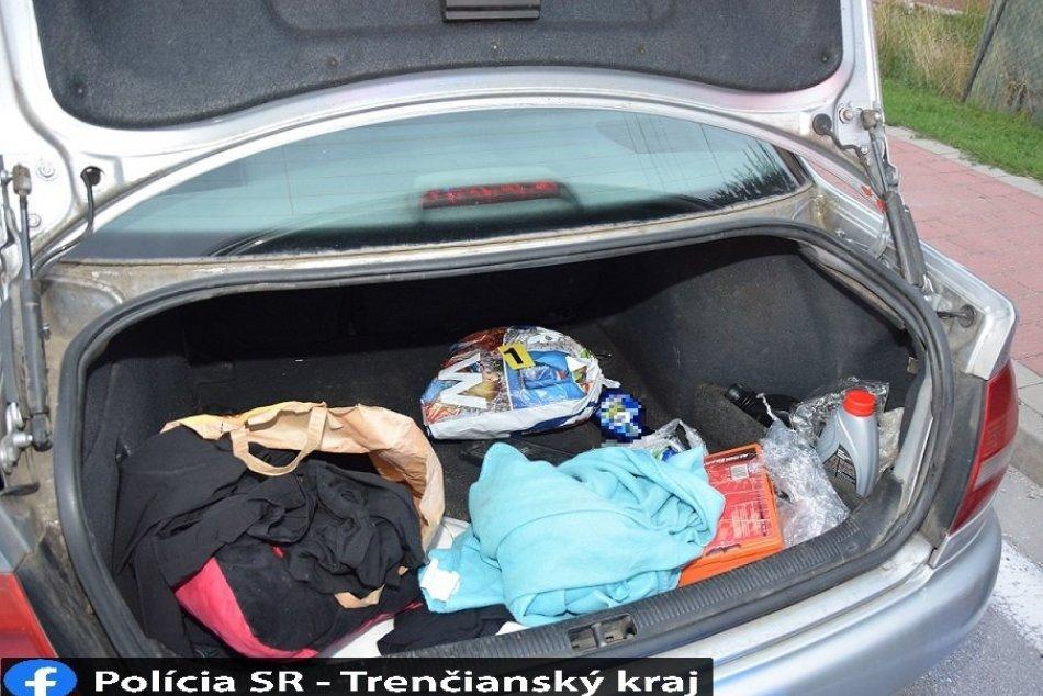 FOTO: Polícia obvinila 29-ročného Čecha, v aute mal igelitku s konopou