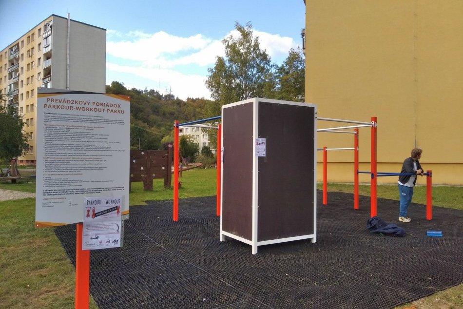 V OBRAZOCH: V Bystrici vyrástol nový parkour-workout park